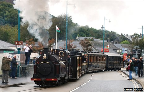 Trustees Train crossing Britannia Bridge, Porthmadog,