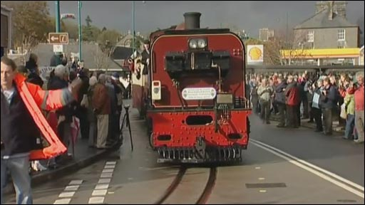 Tren ym Mhorthmadog