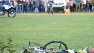 Bodies lie on football pitch in Honduras - 31/10/10