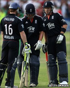Eoin Morgan, Jonathan Trott and Ian Bell