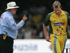 Umpire David Shepherd warns Australia's Brett Lee in 2005