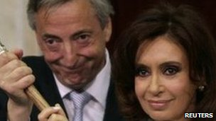 Nestor Kirchner and Cristina Fernandez de Kirchner in December 2007