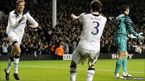 Peter Crouch (left) and Gareth Bale celebrate Spurs' second goal