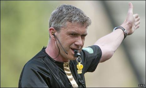 Referee Charlie Richmond