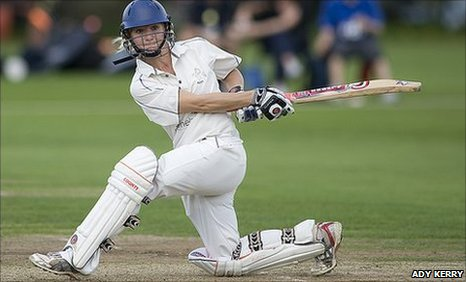 BBC Sport - Cricket - Susie Rowe gets second chance to live England