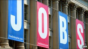 US new jobs figure beats expectations