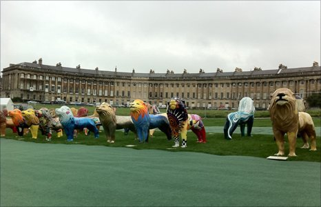 Bath lions in front of Royal Crescent
