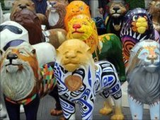 Bath lions unveiled in the city