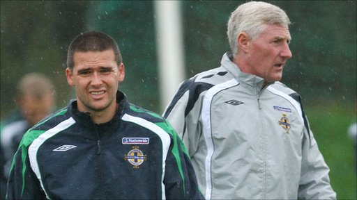 David Healy and Northern Ireland manager Nigel Worthington