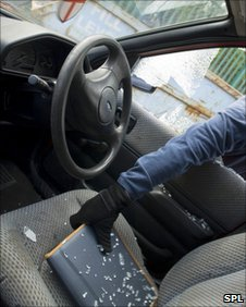Theft of a laptop from a car