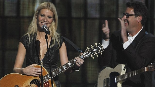Gwyneth Paltrow and Vince Gill