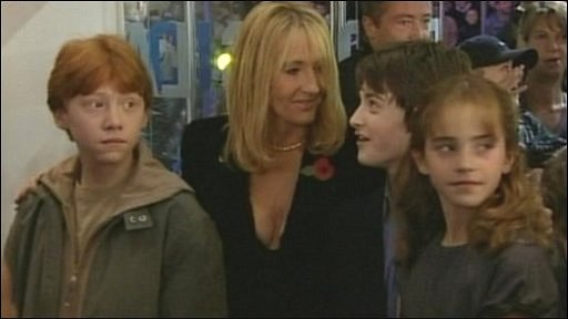 Rupert Grint, Daniel Radcliffe, Emma Watson and JK Rowling at the first Harry Potter film premiere in 2001!