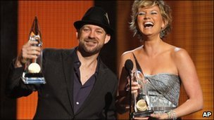 Remaining Sugarland members Kristian Bush and Jennifer Nettles