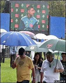 There were not many fans who braved the Sydney rain for the squad announcement