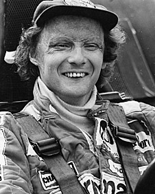 Niki Lauda returns to win the world title in 1977