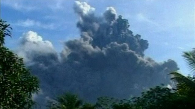 Mount Bulusan sends ash spewing into the sky