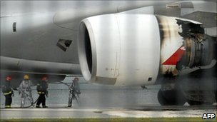 Motor de Qantas A380 após pouso de emergência em Cingapura, 4 de novembro de 2010