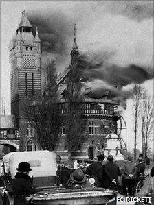 Shakespeare Memorial Theatre fire in 1926