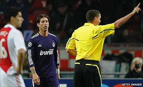 Sergio Ramos is sent off by Scottish referee Craig Thomson