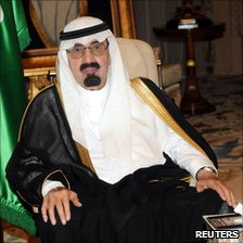 Saudi Arabia's King Abdullah at Riyadh airport before flying to the US, 22 November 2010