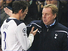 Tottenham manager Harry Redknapp (right) congratulates Gareth Bale after taking the winger off in the win over Werder Bremen