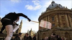 Oxford students evicted after Bodleian Library sit-in
