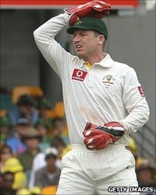 Brad Haddin shows his frustration