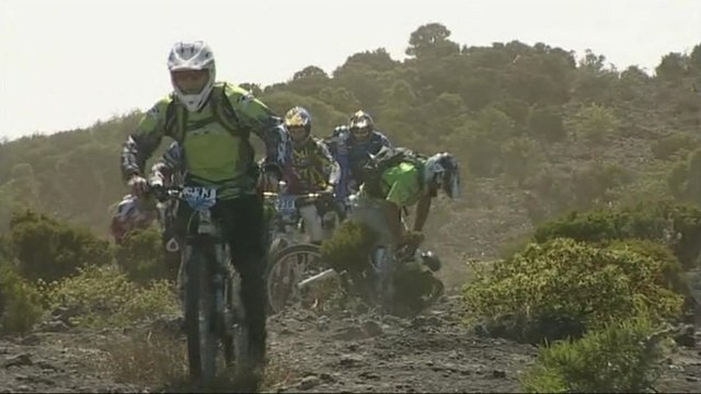 Mountain bikers competing in Megavalanche