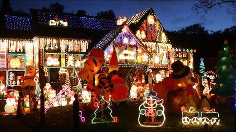 BBC Berkshire Man In Christmas Lights Row Leaves UK
