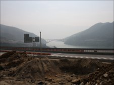 Three Gorges road construction