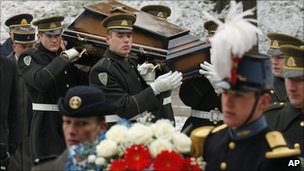 Soldiers at Antakalnis Cemetery in Vilnius, Lithuania (29 Nov 2010)