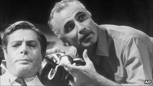 Mario Monicelli (right) directing Marcello Mastroianni (left)