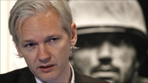Wikileaks founder Julian Assange in London (26 July 2010)