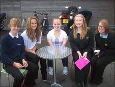 Pupils interview Welsh swimming star Ellie Simmonds