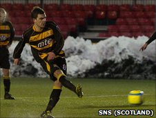 Kevin McDonald snatched a point for Alloa with a late penalty