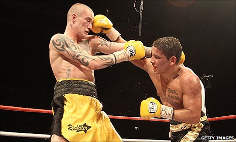 Ricky Burns did not get everything his own way against Andreas Evensen