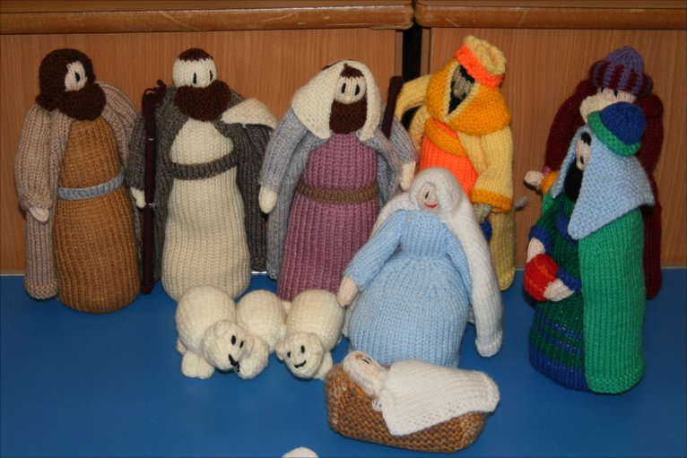 Knitted Nativity set