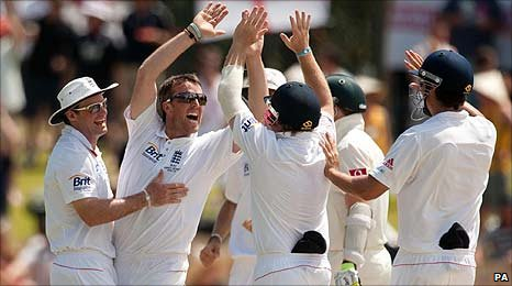 Graeme Swann takes the final wicket against Australia