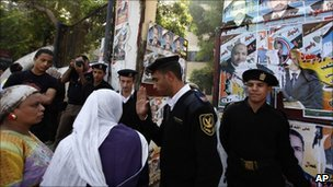 Egyptian women outside a polling station in Cairo, 5 Dec