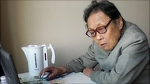Dr Gao Yaojie in her flat in New York