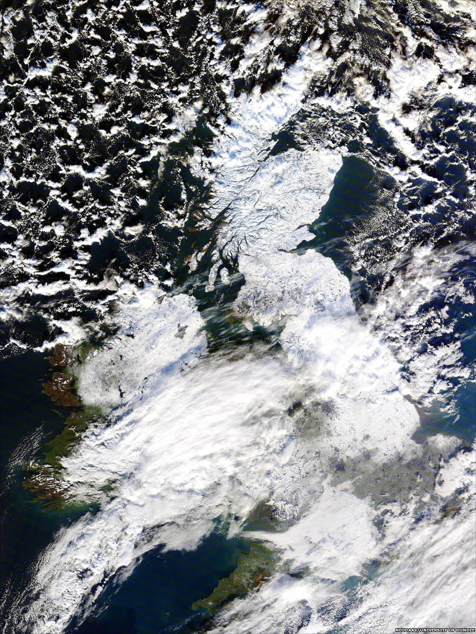 UK covered in snow (Pic courtesy of NEODAAS/University of Dundee)