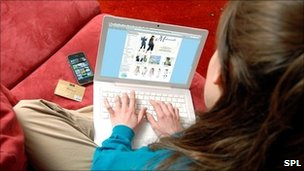 Woman shopping online (SPL)