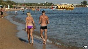 A couple in Sharm el-Sheik, 8 December