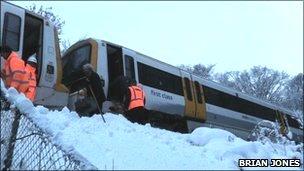 Train stuck near Meopham in Gravesend