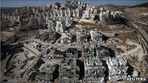 Houses under construction at the Har Homa settlement near Jerusalem (8 December 2010)