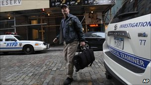 Investigators arrive at Mark Madoff's New York apartment