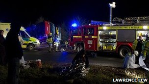 Oxford Tube bus crash on M40
