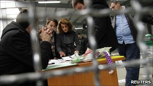 Kosovo election officials count votes in Pristina (13 Dec 2010)