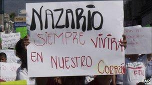 Sign supporting Nazario Moreno