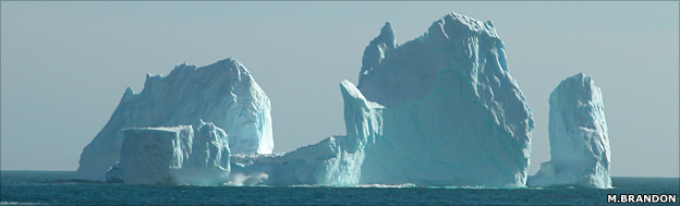 Grounded iceberg (M.Brandon)